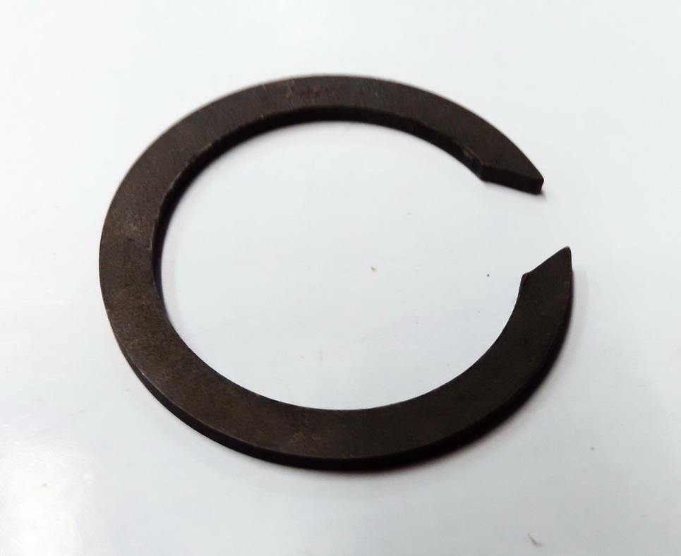 Кольцо стопорное КПП FORD вторич вала 6-й передачи