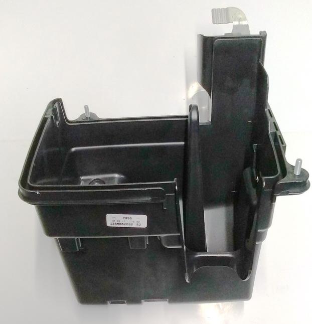 Блок предохранителей под капот Пежо BOX III - КОРПУС